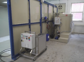 Technologie vysokotlakého odmaštění (předúprava povrchu před lakováním)