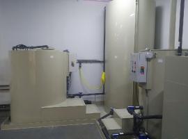 Recyklace fosfátovací lázně s neutralizační stanicí a vysokotlaký agregát s elektrickým ohřevem RB-30E